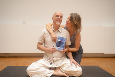 "Arno en Ilanit presenteren Arno's boek: ""De Bevrijding!"""