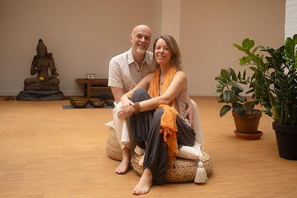 Arno Nistal en Ilanit Rani. Delight Yoga Studio.