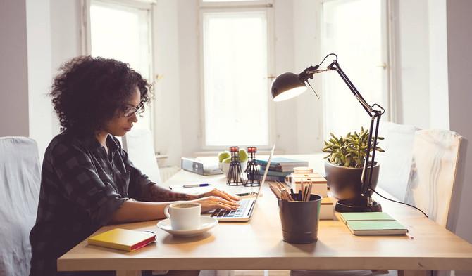 Mantener el contacto con la oficina mejora el trabajo remoto