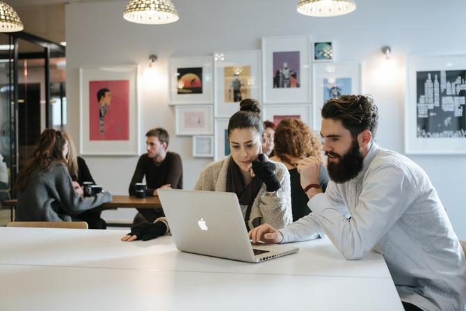 """La """"fiebre"""" por colaborar: El rápido crecimiento de los coworking en Chile"""