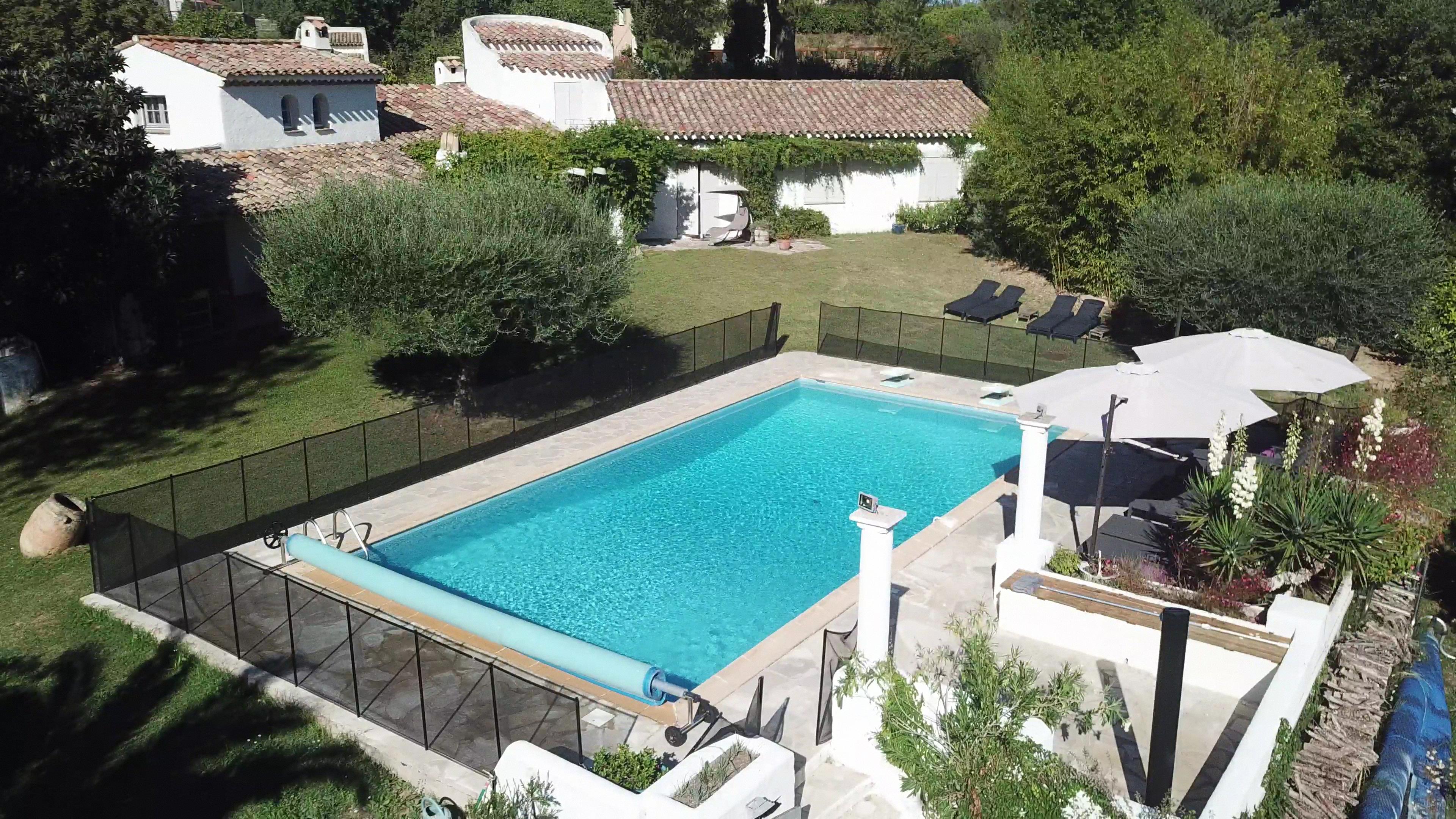 vue aerienne piscine