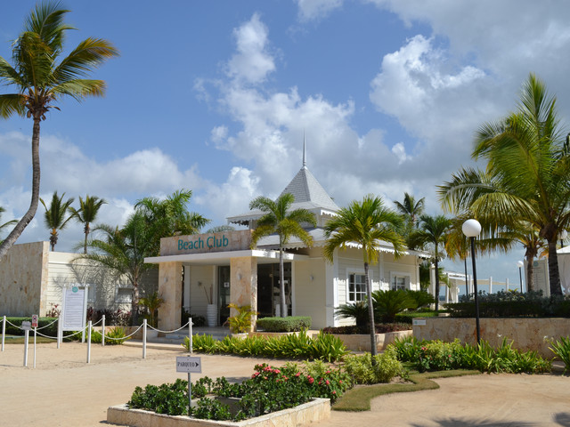 Villa with Beach Club – Playa Nueva Romana