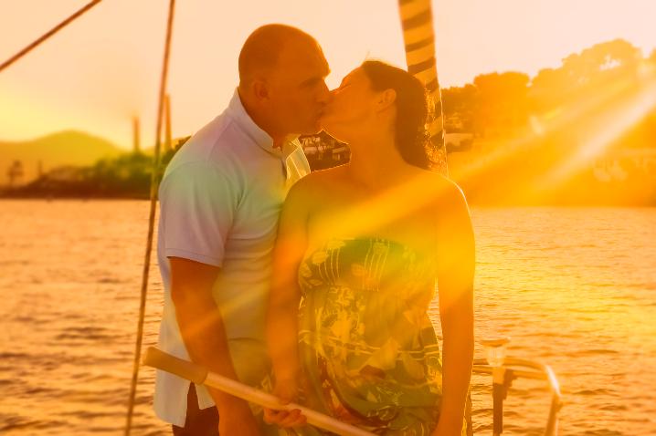 romantic-cuba-diner-sailing
