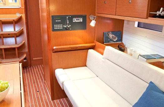 bavaria-yachts-bavaria-36-01.jpg