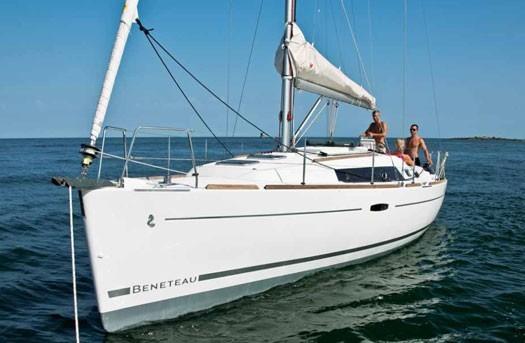 beneteau-oceanis-34-09.jpg