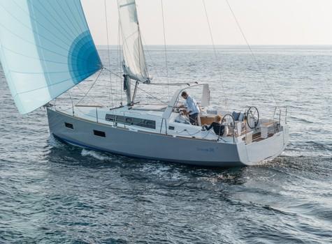 beneteau-oceanis-38-06.jpg