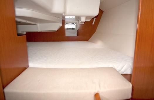 beneteau-oceanis-34-03.jpg