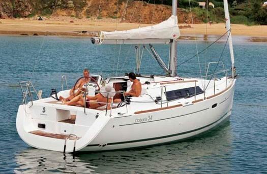beneteau-oceanis-34-04.jpg