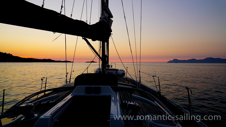 sunset sailing alcudia