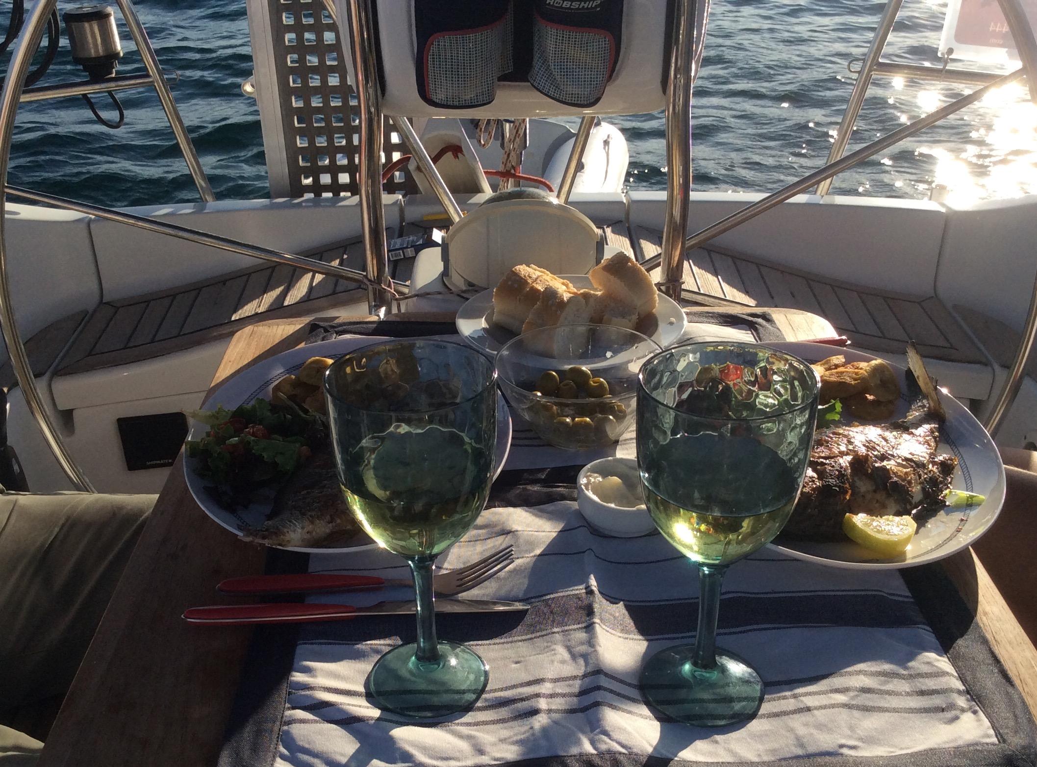 Essen auf Segelyacht