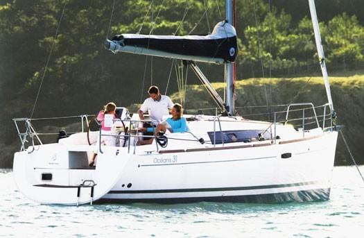 beneteau-oceanis-31-romantic-sailing-mallorca-03.jpg