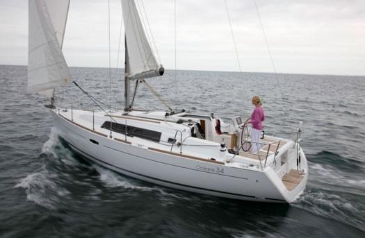 beneteau-oceanis-34-05.jpg