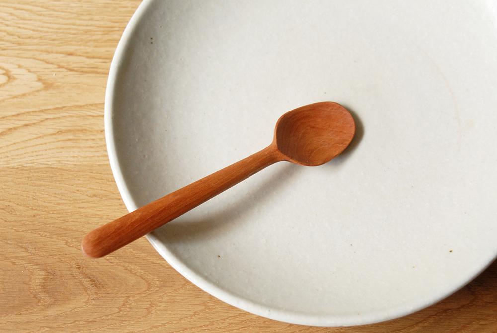 dessert spoon