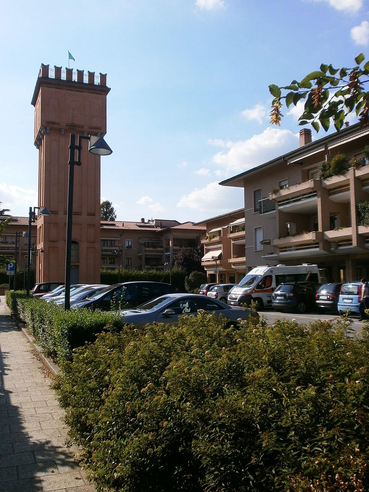 1200px-Frazione_di_Incirano_a_Paderno_Du