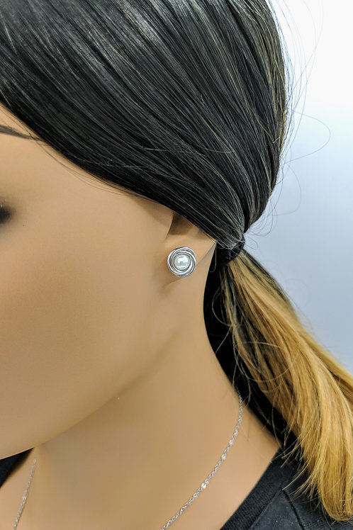 Love Knot Pearl Earrings