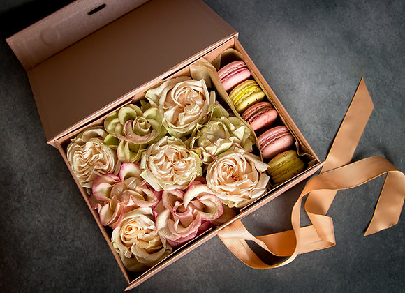 Macaron-flower gift box