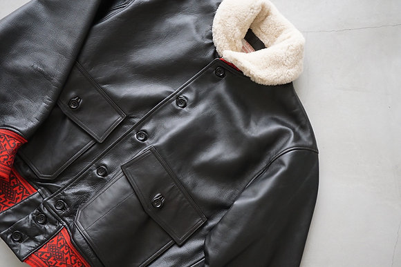"""NICENESS  """"GENTLE"""" cow leather blouson with mouton (black×red)"""