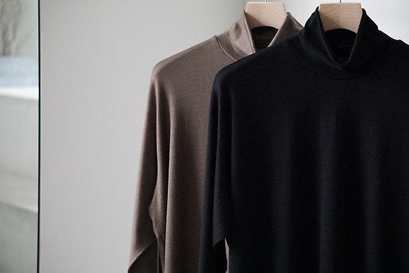 un/unbient  washable wool highneck cut&sew (2 colors)