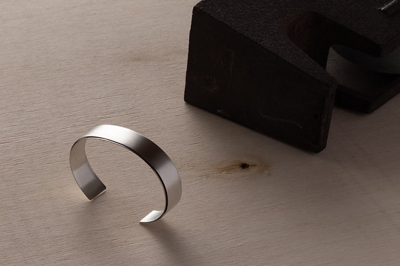 DAN TOMIMATSU  Tape Bangle Fold (silver)