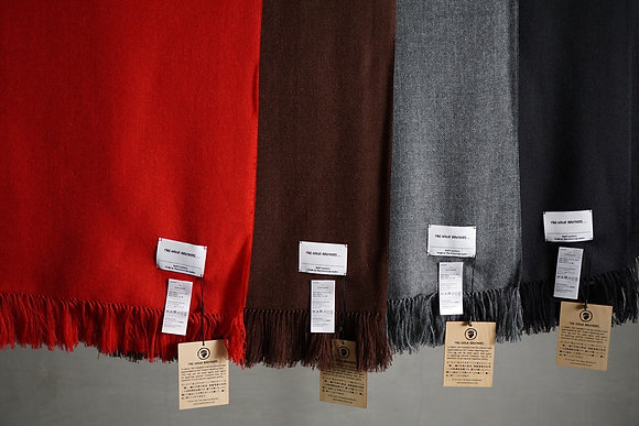 THE INOUE BROTHERS...  Non Brushed Large Stole (red,brown,grey,black)