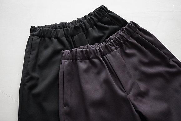 un/unbient  uniform gabardine easy trousers (black,smoke brown)