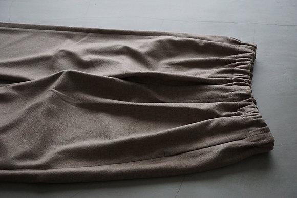 un/unbient  cashmere yak easy trousers (natural)