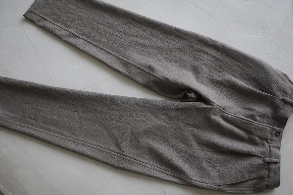 Aquellos Ojos Verdes  wool geogette relax trousers (beige gray)