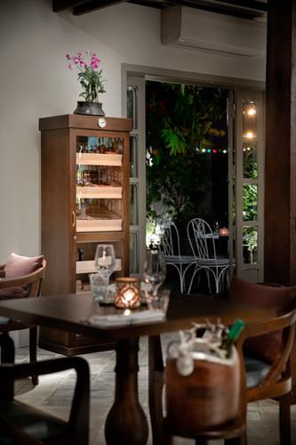 Cigar cabinet
