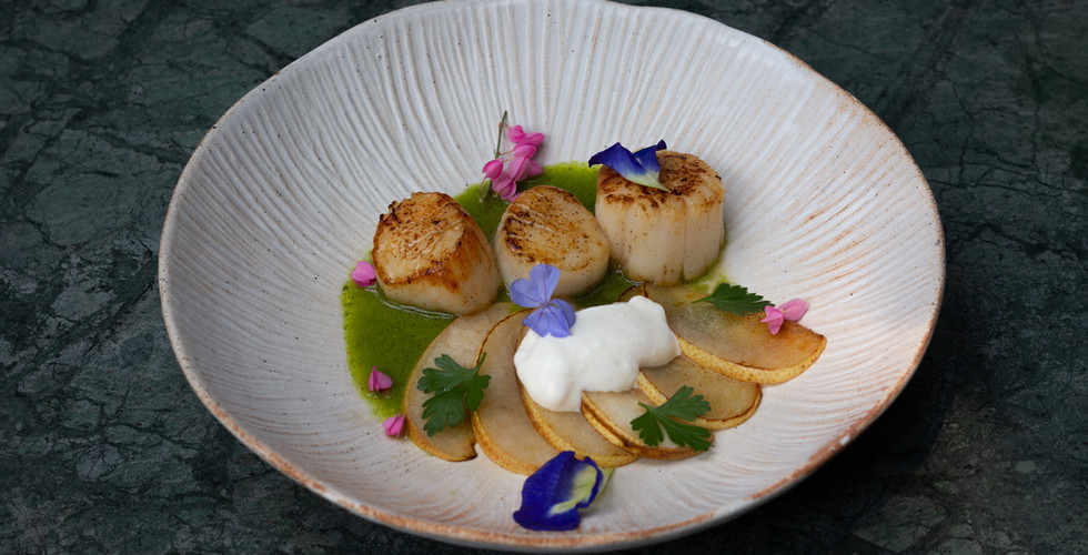 2021_Starter_Scallop with pear 4.JPG