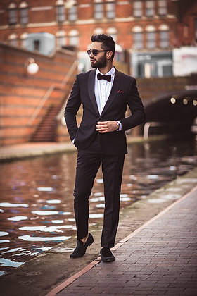 Black Tuxedo Sakki suit.