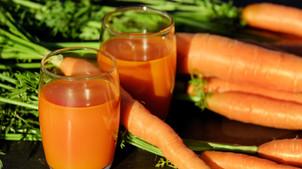 Suco Detox: 5 receitas pra você enxugar de vez!