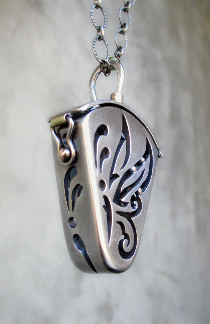 Butterfly Locket Sterling LInda 3.jpg