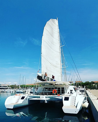 Catamaran Thema Taino