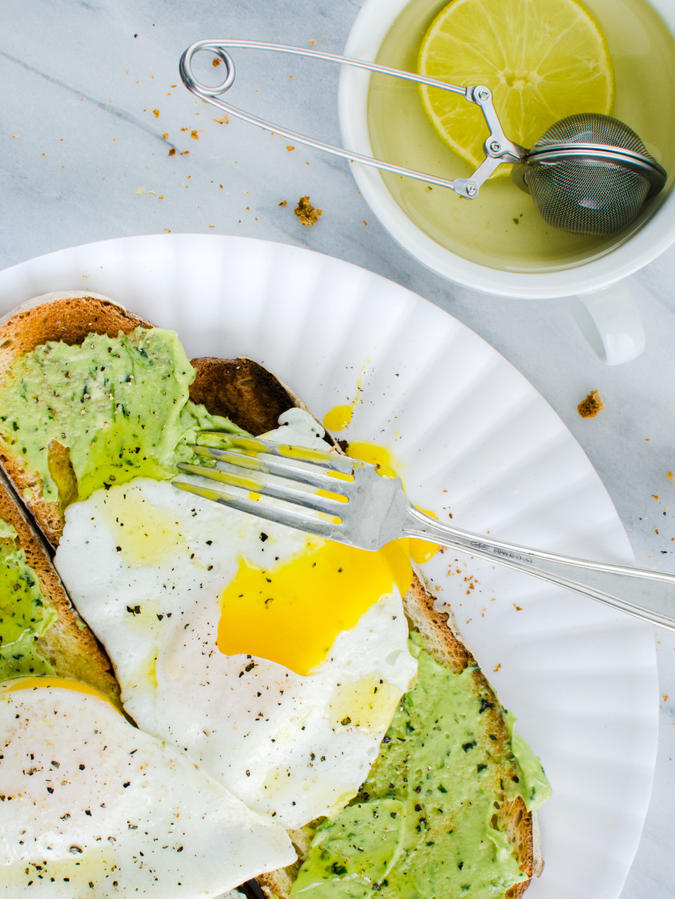 sunny side eggs with avocado toast-food photographer-washington DC