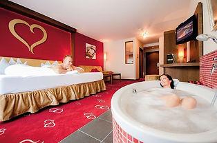 Hotel Alpenherz A-Ladis1.jpg