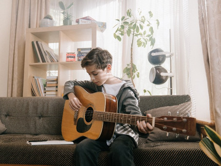 Beginner Guitar Lessons: What to Expect