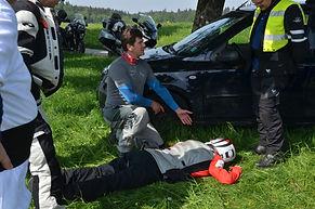"""Chris The Doc · Erste-Hilfe-Training speziell für Motorradfahrer · """"EIN TAG FÜR EIN MENSCHENLEBEN"""" · Dr. med. Christopher Andratschke"""