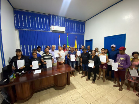 Produtores de Porto Walter recebem Contratos de Concessão de Uso de terras