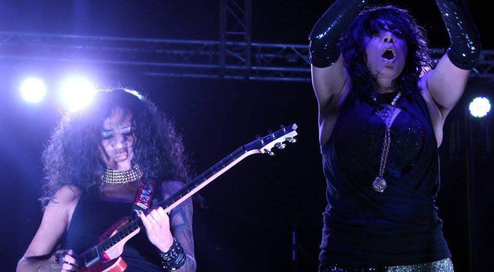 Genny Rocks! guitar....
