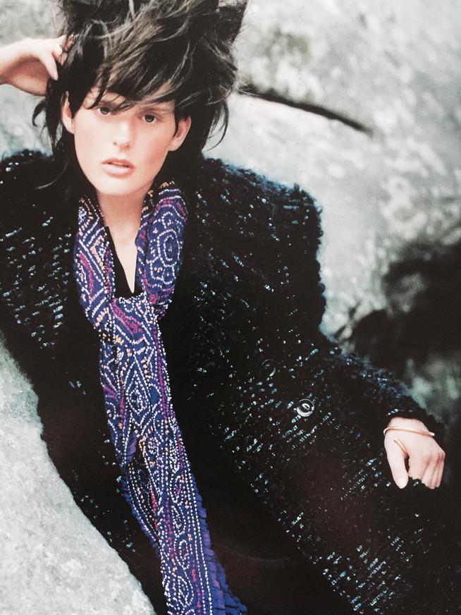 Gucci. Exclusif : laine bouclée, paillettée. 1994