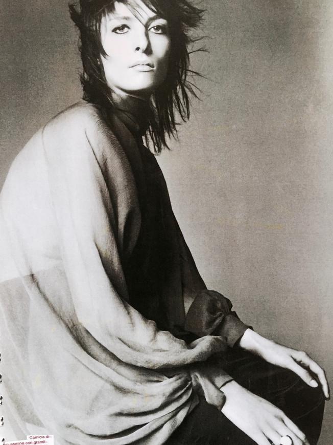 Nina Ricci. Haut « ailes de colombes », soie. 2000