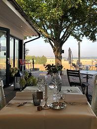 Pillehill middag med utsikt.jpg