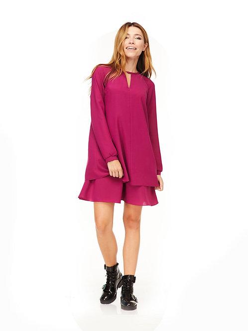 Двухслойное платье свободного кроя, расклешенное к низу