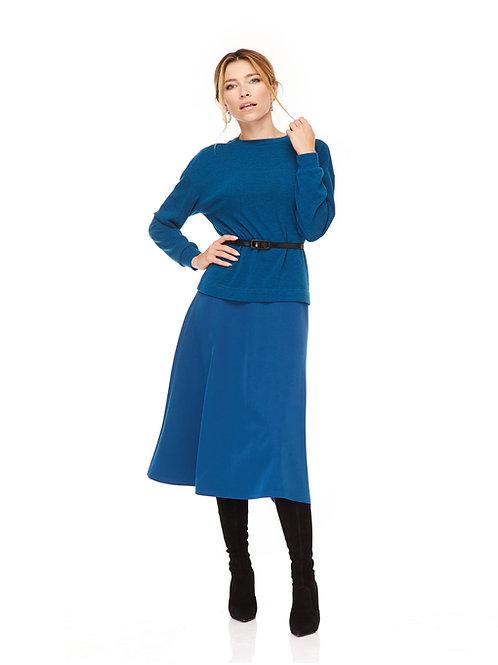 Костюм: Ангоровый свитшот свободного кроя и юбка миди с завышенной талией