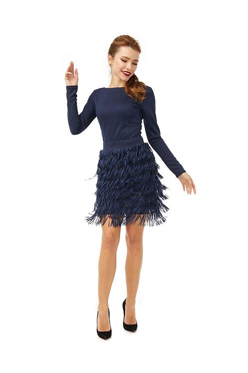 Синяя юбка с поясом на талии, декорированная бахромой и матовыми пайетками