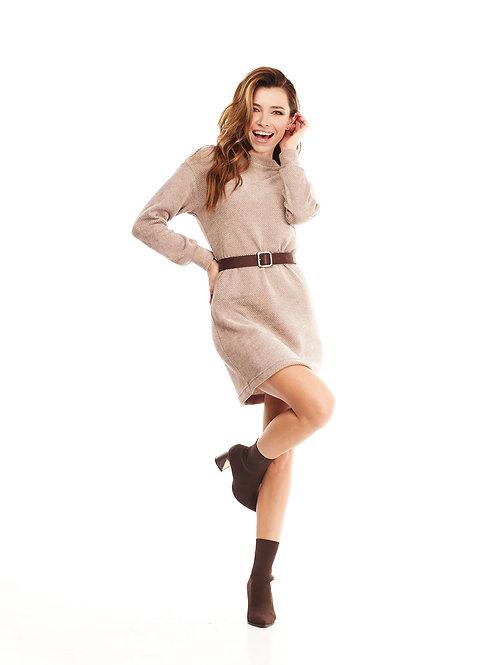 Бежевое вязаное платье с люрексом, в комплекте ремень из эко-кожи