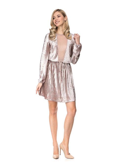 Пудровое плиссированное бархатное  платье с расклешенной юбкой