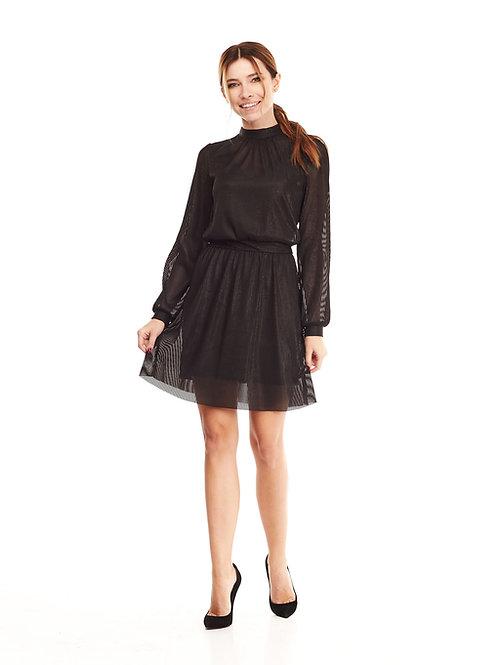 Чёрное полупрозрачное платье на подкладке, отрезное по линии талии на резинке