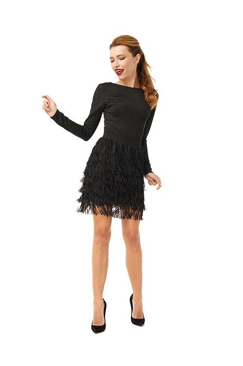 Черная юбка с поясом на талии, декорированная бахромой и матовыми пайетками
