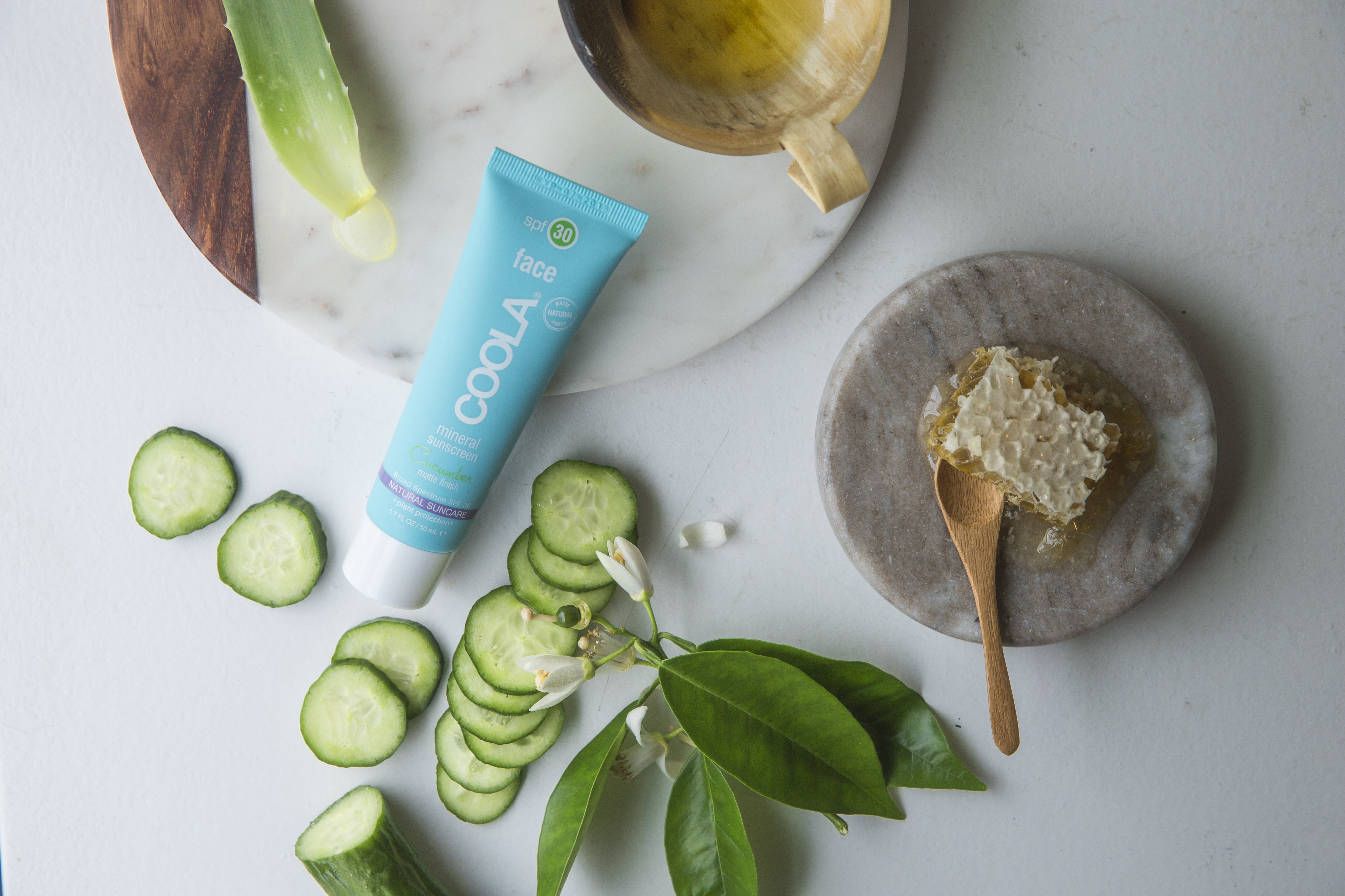 mineral_face_spf30_matte_cucumber_sub_in